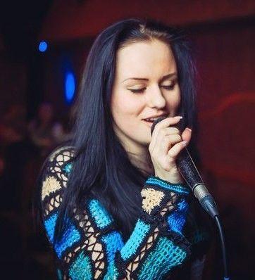 Преподаватель вокала Елена